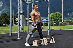 Mental focusing (Ernst_P.) Tags: aut calisthenics innsbruck österreich sport sportplatzusi streetworkout tirol patrick pisch edelkraft