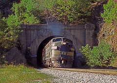 BO0184CR (ex127so) Tags: bo wm 1977 randolph tunnel doe gully wv f7a