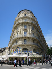 La Samaritaine (1860) - 2 quai du Vieux Port, Marseille (13) (Yvette G.) Tags: renaudcamus journaldunvoyageenfrance marseille bouchesdurhône 13 provencealpescôtedazur paca architecture