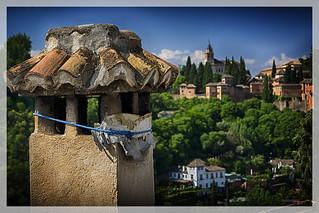 Chimenea y Alhambra