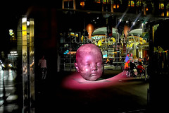 Carmen dormida - Noche (Fnikos) Tags: street people plaza plaça palau building architecture música sculpture bebé baby night nightview nightshot outdoor