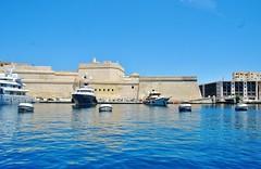 2016-06-08g rejs - Vittoriosa (14) (aknad0) Tags: malta vittoriosa morze architektura krajobraz statki
