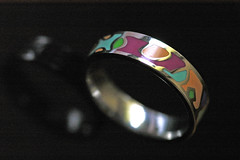Ring (petra.wruck) Tags: ring ringe schmuck objekt objekte object objects macro makro kunst handwerk jewelry decoration ornament adornment ornamentation embellishment trade handiwork art skill artistry craft