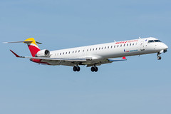 Iberia Regional / CRJ1000 / EC-MRI / LFRS 21 (_Wouter Cooremans) Tags: nte nantes spotting spotter avgeek aviation airplanespotting iberia regional crj1000 ecmri lfrs 21 iberiaregional