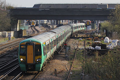 377163, Gatwick Airport, April 7th 2015 (Southsea_Matt) Tags: 377163 class377 electrostar bombardier southernrailway govia goahead gatwickairport sussex england unitedkingdom train railway railroad emu electricmultipleunit canon 60d 70200mm april 2015 spring vehicle publictransport passengertravel