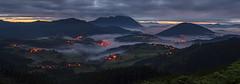 El pequeño valle - the little valley (teredura58) Tags: panoramica panoramic aramaio amanecer niebla fog sunrise sonyflickraward