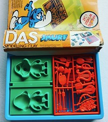 Das Smurf Modeling Clay Kit (1982) (Christian Montone) Tags: smurfs 1982 1980s toys clay craft 80s vintage