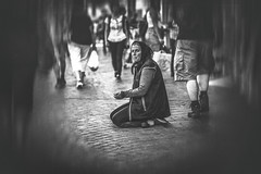 The arrogance of the gutter (Black&Light Streetphotographie) Tags: monochrome mono menschen menschenbilder leute people personen portrait peoples portraits urban wow tiefenschärfe dof deepoffield fullframe face city closeup sony streetshots streets streetshooting schwarzweis streetportrait street sw streetphotographie sonya7rii blackandwhite blackwhite bw bokeh bokehlicious bettler beggar blur blurring b