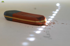 Radiergummi  #MacroMondays #Erasers (Argentarius85) Tags: nikond5300 sigma105mmf28exdgoshsm macromondays erasers eraser radiergummi büro office macro nahaufnahme closeup details depthoffield dof licht schatten light shadows