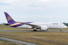 B788_TG937 (VIE-BKK)_HS-TQA_1 (VIE-Spotter) Tags: vienna vie airport airplane flugzeug flughafen planespotting wien
