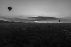 Volar En Globo | Teotihuacán (Ginori Photography & Film) Tags: panasonic lumix gx8 panasonicgx8 lumixgx8 panaleica panasonic1260mm leica1260mmf284 varioelmarit microfourthirds mirrorless tenochtitlán tenochtitlan mexico pyramids aztec pirámides azteca ruins ruinas