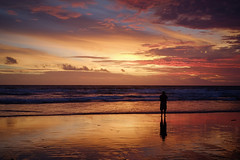 Lonely sunset (Aditya Fajar) Tags: xt1 fujifilm 27mm sunset beach bali