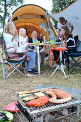 dinner (Wolfgang Binder) Tags: camping tent barbecue grill sausage meat nikon d7000 zeiss distagon distagont2825