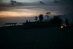 evening mood in Bali.. (paul.wienerroither) Tags: bali indonesia travel photography 50mm canon niftyfifty exploremore dark light sunset island mood islandlife changgu echobeach beach sand evening beforeitgetsdark ocean sea seascape landscape nature naturephotography view clouds sky burn burning fire silhouette