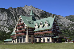 Prince of Wales Hotel, Waterton Lake, Canada (deanolind) Tags: elements
