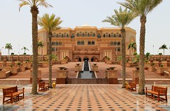 Emirates Palace (Abu Dhabi) (rogelio g arcangel) Tags: unitedarabemirates emiratespalaceabudhabi canonphotography canon architecture westernasia middleeast uae emiratespalace abudhabi