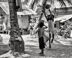Family derby (second half) (oiZox) Tags: stretbasket streetohotography monochrome mono moalboal philippines travelblogger traveler travelphotography travelling blackandwhite asia youth young urban fotocallejera kids