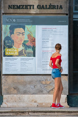 national galery :) (keriarpi) Tags: national galery program guide girl street streetshot shot red blue frida kahlo