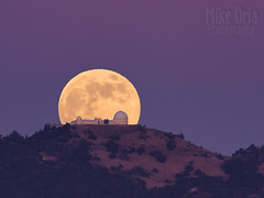 Moon & Observatory (mikeSF_) Tags: california lick lickobservatory mount mt hamilton mounthamilton observatory telescope astrophotography astro skyline sky mountain silhouette moon moonrise moonlight fullmoon pentax k3ii dfa150450 telephoto tpe ephemeris mikeoria wwwmikeoriacom mikeoriaphotography