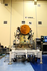 The integrated Cheops satellite (europeanspaceagency) Tags: esa europeanspaceagency space universe cosmos spacescience science spacetechnology tech technology cheops exoplanets inthecleanroom madrid airbus spacescienceimageoftheweek planetaryscience