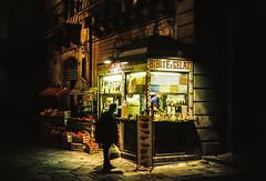 Bibite e Gelati (Bruno Naredo) Tags: italia italien italy palermo analog analogphotography analogue canon fuji fujifilm fujifilmsuperia200 streetlife friendsinstreets streetphotographyinternational italianfood italian nightphotography night nightowl gelato