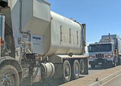 Garbage Truck 7-2-18 (3) (Photo Nut 2011) Tags: california garbagetruck trashtruck sanitation wastedisposal waste truck garbage junk trash refuse sandiego miramar 815286 peterbilt