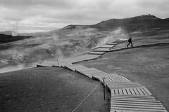 Entre volcanes (byfer / Fernando Ocaña) Tags: film 35mm analogico pelicula ilford hp5 selfdeveloped bw blancoynegro blackwhite iceland leirhnjukur bwn