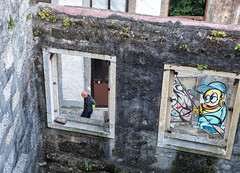 (graveur8x) Tags: porto portugal man street streetphotography buildings windows empty contrast city urban mann human summer graffiti art canon canoneos5dmarkiv