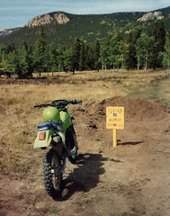 Closed (twm1340) Tags: 1987 kawasaki kdx kdx200 enduro motorcycle dirt bike dirtbike co colorado harrispark park county bailey area trail closed sign usfs blm