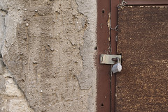 (Oliver Zimmermann) Tags: architecture builtstructure closeup connection damaged day deterioration entrance latch lock metal nopeople old outdoors padlock protection rusty safety security textured wallbuildingfeature weathered