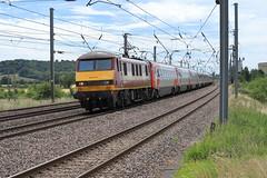 90039 (aledy66) Tags: 90039 1b84 1206 london kings cross newark north gate ef70300mm diesel freight train engine loco locomotive canon eos 6d 6d2 markii mk2 mkii railway railroad track rail electric