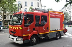 BSPP - PS 183 (Arthur Lombard) Tags: bspp pompiers firedepartment pompiersdeparis casernedepompiers firebrigade firetruck firestation renault renaulttruck renaultmidlum bluelight gyrophare emergency 911 999 112 18 ps engine paris france nikon nikond7200