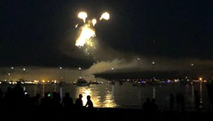 Fireworks via iPhone X. (LEXPIX_) Tags: fireworks independence day 4th july celebrations night water low ten smartphone lexpix iphone iphonex