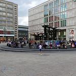 Alexanderplatz - Brunnen der Völkerfreundschaft thumbnail