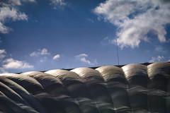 CNIT, La Defense (1105) (cfalguiere) Tags: france quartierparvis cnit nature hautsdeseine92 ladefense closeup zoneaxedeladefense roof sky outdoor iledefrance skyscape datepub2018q307 clouds ciel defense exterieur extérieur macro nuages