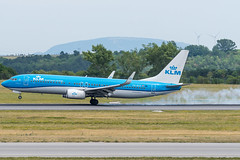 B738_KL1845 (AMS-VIE)_PH-BXD_1 (VIE-Spotter) Tags: vienna vie airport airplane flugzeug flughafen planespotting wien