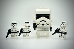 LEGO Stormtrooper BrickHeadz (Pasq67) Tags: lego minifigs minifig minifigure minifigures afol toy toys flickr legography pasq67 starwars stormtrooper france 2018 disney brickheadz