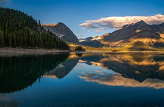 Upper Kananaskis Lake Sunrise Reflection (Cole Chase Photography) Tags: kananaskiscountry lowerlake interlakes alberta canada canadianrockies reflection sunrise