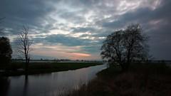 Night is coming (pszcz9) Tags: polska poland przyroda nature natura naturaleza woda water rzeka river chmury cloud pejzaż landscape night noc beautifulearth sony a77 drzewo tree