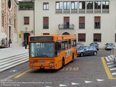 Iveco 480.10 Turbocity DeSimon   SVT 4281 (AlebusITALIA) Tags: autobus bus tram trasportipubblici trasporti tpl transportation torpedone publictransport mobilità pullman corriera coach aimmobilità aimvicenza vicenza vehicle veicolo otobus autobuses svtvicenza ftv ferrovietramvievicentine menarinibus menarini iia turbocity iveco iveco480 ivecoturbocity ivecoeffeuno iveco471 setra setrasg321ul