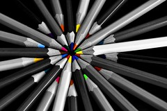 El centro de todas las cosas (Osruha) Tags: lápices llapis pencils colorselectivo colorselectiu selectivecolour centro centre center composición composició composition nikon nikonistas d750