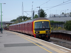 Royal Mail Class 325 325012 (Alex S. Transport Photography) Tags: outdoor vehicle train freight class325 royalmail miltonkeynescentral 572n 325012 emu