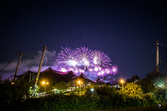 purple rain (_ME_photography) Tags: feuerwerk fireworks münchen munich bayern bavaria sommernachtstraum canon eos 80d tripod lightpainting lightroom lr5 raw olympia stadion halle stadium olympiastadion olympiaturm 1972 color colour farben violett rot grün purple red green yellow gelb himmel sky sterne glasdach zeltdach tent shrubbery yesterday festival music colourful colorful summer sommer light night star stars