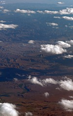 Green River Windin' South (zeesstof) Tags: zeesstof aerial aerialview viewfromwindow windowseat flight commercialflight saltlakecitytohouston united unitedairlines geo:lat=4032037295 geo:lon=10962158204 geotagged utah vernal unitedstates usa