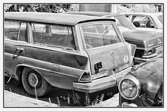 200D (BKFofOF) Tags: mercedes benz daimler kombi car d610 nikon fx rost rusty abandonedcar b heckflosse