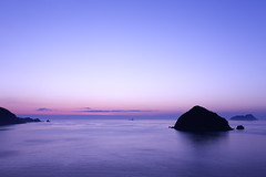 Magic hour (Teruhide Tomori) Tags: sea sky evening sunset wakasa japan beach shore coast light ripple japon landscape water 福井県 若狭湾 食見 若狭町 日本 海 北陸 hokuriku 夕方 日没 風景 夕焼け seascape