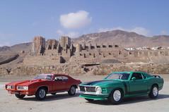 1969 Pontiac GTO & 1970 Ford Mustang Boss 302 1/24 diecast made by Welly & Maisto (rigavimon) Tags: diecast miniaturas 124 pontiac gto ford mustang boss 302 miniature welly maisto