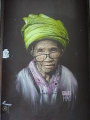Guate Mao (Archi & Philou) Tags: streetart pochoir stencil portrait visage paris03 guatemao lunettes femme woman