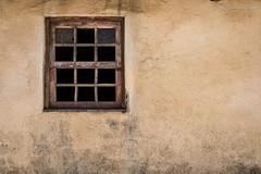 DSC_03198F (Javier_1972) Tags: ventana pared portugal europa textura