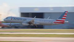 A321 AMERICAN AIRLINES N161AA (Rodrigo Durighello) Tags: kmia airbus a321 american